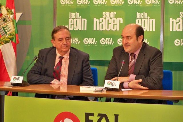 Ortuzar con el senador Iñaki Anasagasti