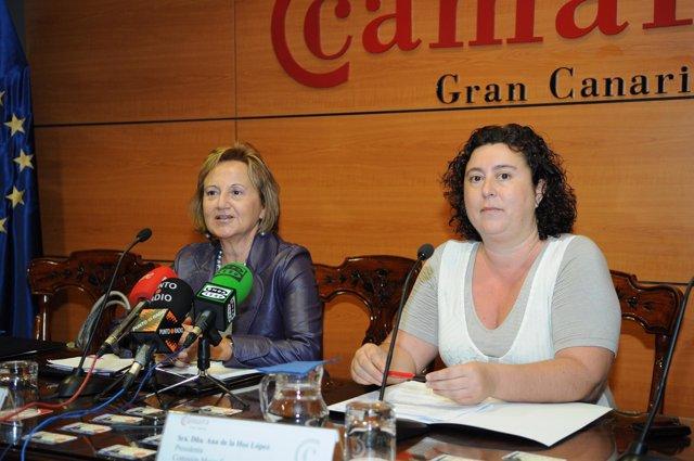 De derecha a izquierda, la presidenta de la Comisión de Mujeres Empresarias de l