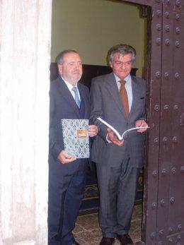 Rodríguez Galindo y Balón con la remozada publicación.