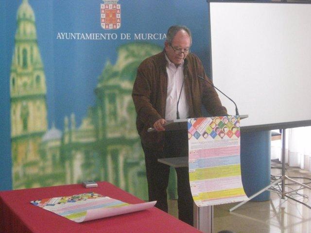 El concejal del Ayuntamiento de Murcia, Fulgencio Cervantes, en la rueda de pren