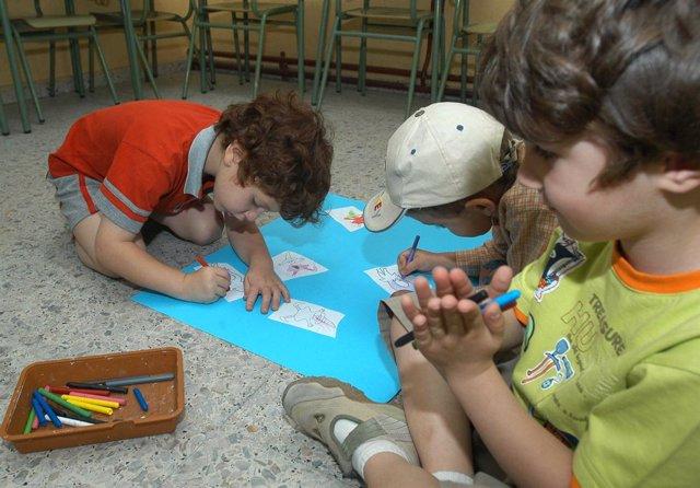 Niños participantes en los Coles Abiertos por Navidad