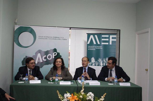 La consejera de la Presidencia, Mar Moreno; el consejero de Medio Ambiente, José