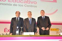 El ministro de Educación, Ángel Gabilongo, junto con Griñán y Álvarez de la Chic