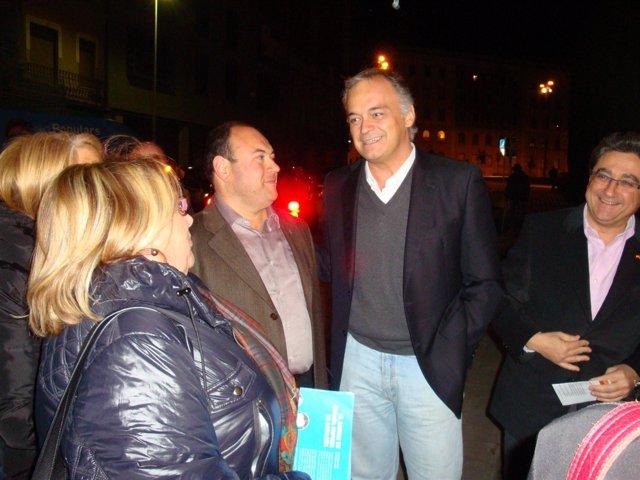 González Pons, de campaña en Figueres (Girona)