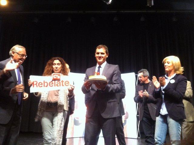 A.Rivera celebra su cumpleaños en campaña