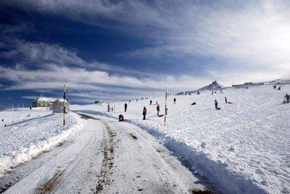 El consejero presenta en Portugal la oferta turística de Andalucía, con especial atención a Sierra Nevada