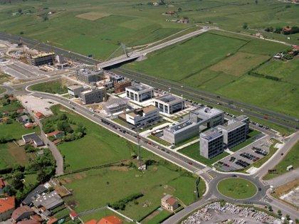 El consejero de Medio Ambiente visita las nuevas instalaciones de Soningeo, ubicadas en el PCTCAN