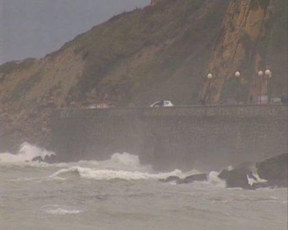 La costa coruñesa estará en alerta naranja a partir de las 20.00 horas de este martes
