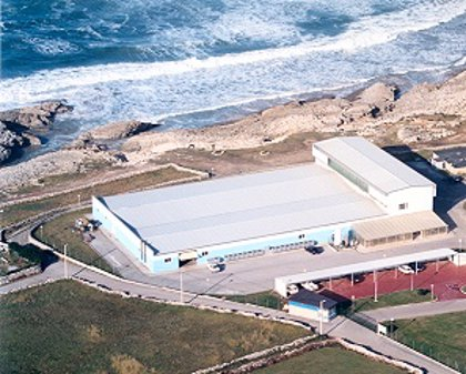 El último número de la revista del IEO recoge el convenio con Cantabria para estudiar el cultivo de la anchoa