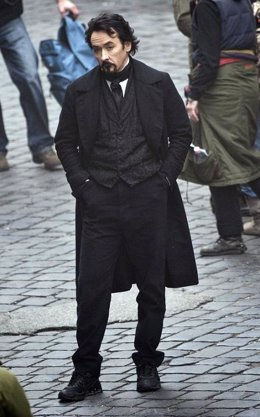 John Cusack convertido en Edgar Allan Poe