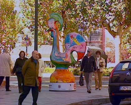 Reproducciones a gran tamaño del Gallo portugués de Barcelos salpican las principales calles y plazas de Badajoz