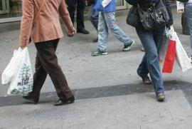 El comercio andaluz rechaza el impuesto sobre bolsas de plástico y pide una moratoria de seis meses