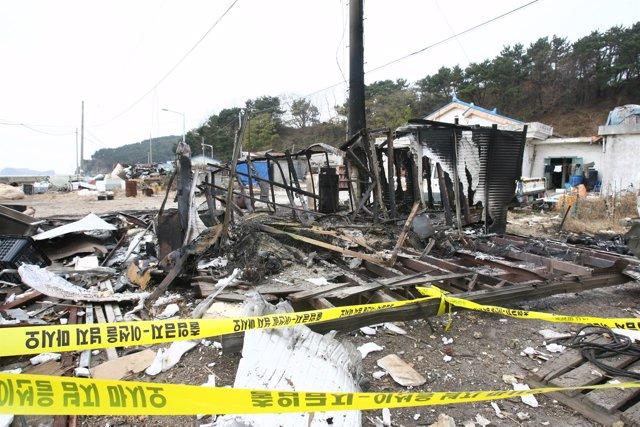 Casa bombardeada en Corea del Sur