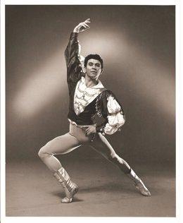 Imagen del bailarín Ray Barra