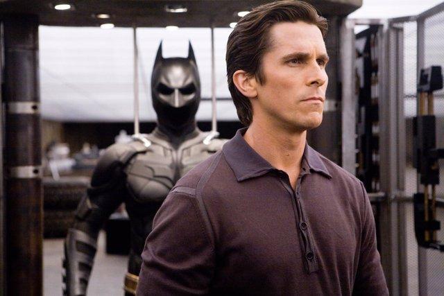 Christian Bale es Batman en El caballero oscuro