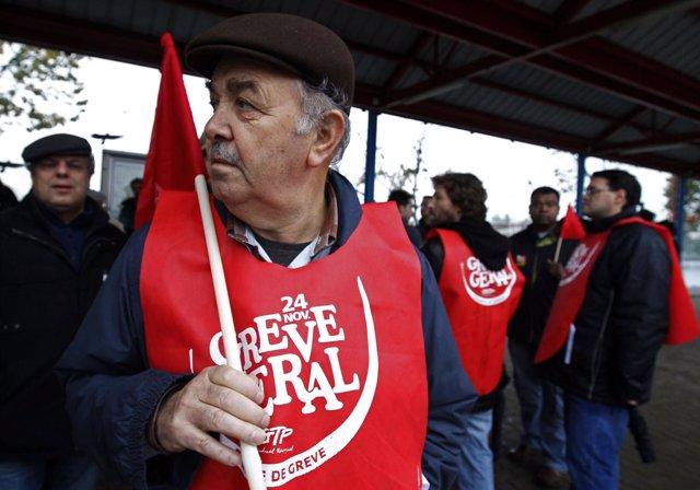 Trabajadores portugueses en la primera huelga general conjunta