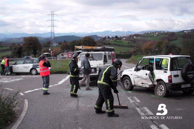 Accidente de tráfico en Tineo