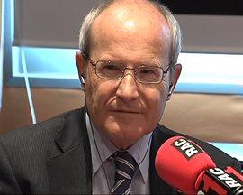 Montilla carga contra Mas por no querer debatir en castellano
