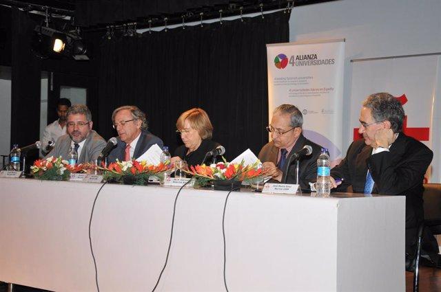 Cuatro universidades españolas firman convenios con India