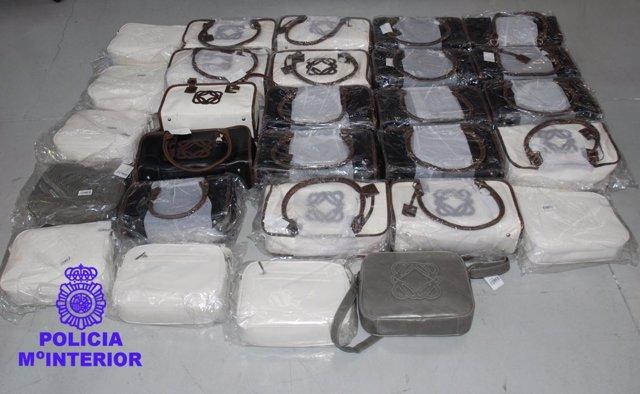 Bolsos falsificados de prestigiosas marcas, intervenidos por la Policía Nacional