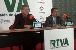 El consejero de Educación, FRancisco Álvarez de la Chica, y el director de la RT