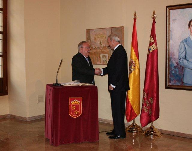 Valcárcel preside toma de posesión de Mariano García Canales como presidente del