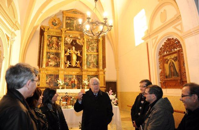 José Ángel Biel en la ermita de Santa Lucía de Campillo de Aragón (Zaragoza)