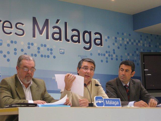 El portavoz del PP en la Diputación Provincial de Málaga, Francisco Salado, junt