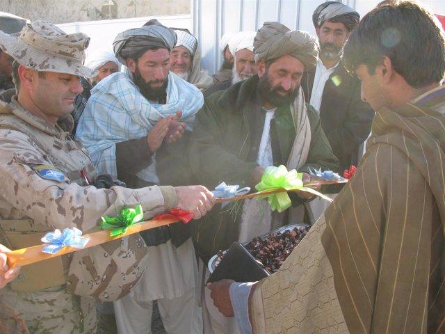 Inauguración de escuela en Tajek