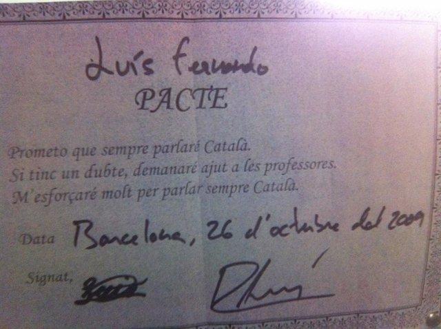 El contrato donde el niño promete hablar catalán