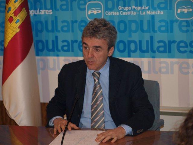 Esteban En Rueda De Prensa, 29 11 10