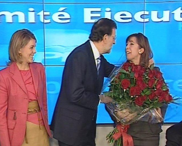 Rajoy felicita a Sánchez Camacho