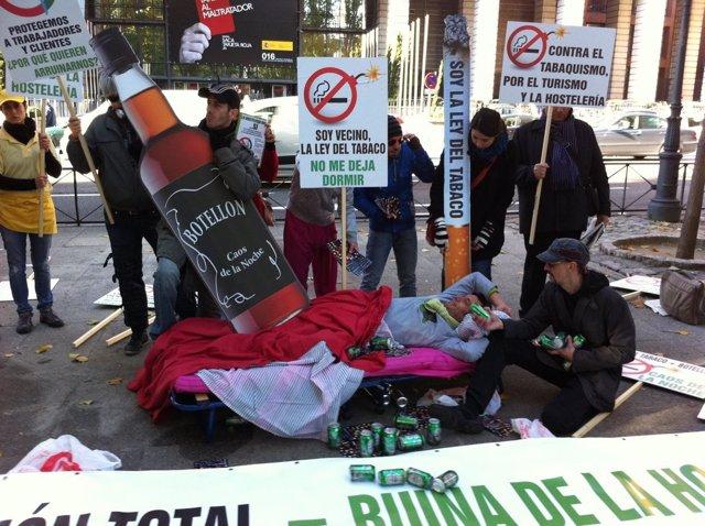 Protesta contra la Ley del Tabaco y el botellón