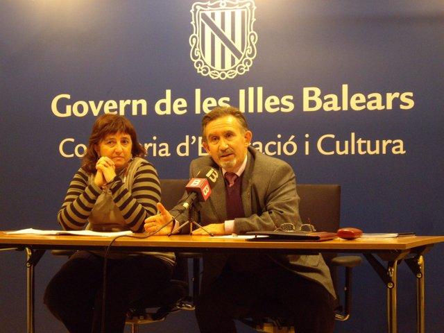 A la derecha, el director general de Innovación y Formación del Profesorado, Miq