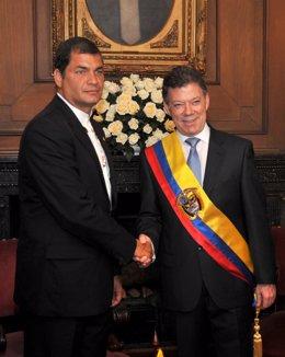 Los presidentes de Ecuador, Rafael Correa, y de Colombia, Juan Manuel Santos