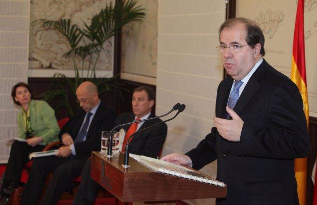 El presidente de la Junta valora el informe PISA