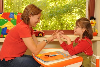 Fundación Solidaridad Carrefour colabora con FOAPS en una iniciativa que facilitará la formación de niños sordociegos
