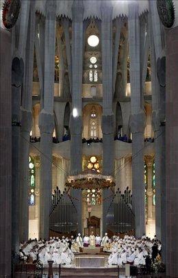 Dedicación de la Sagrada Familia, presidida por Benedicto XVI