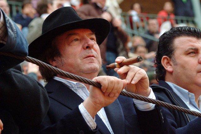 Enrique Morente en una corrida de toros en Granada