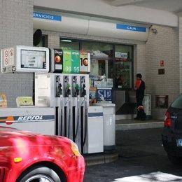 Imagen de una gasolinera