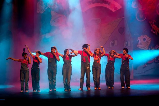 Cantajuego despide el año con el espectáculo 'Una historia navideña'