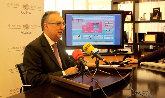 alcalde de Benidorm, Agustín Navarro