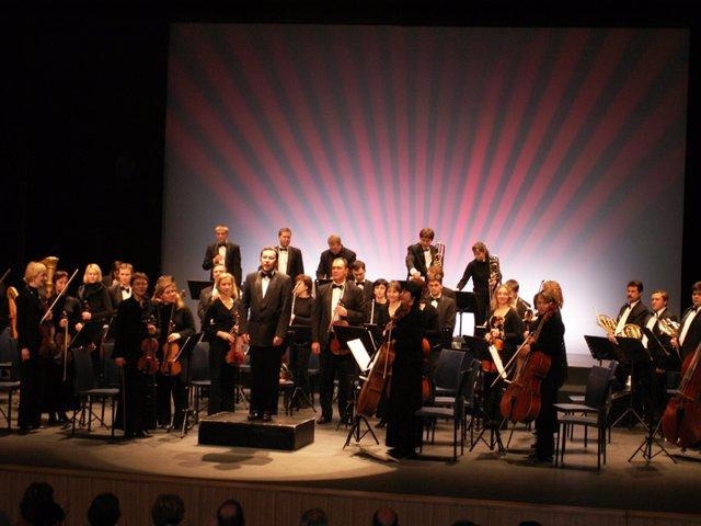 Inicio De La Gira De La Orquesta Sinfónica De Izevsk - República De Udmurtia En