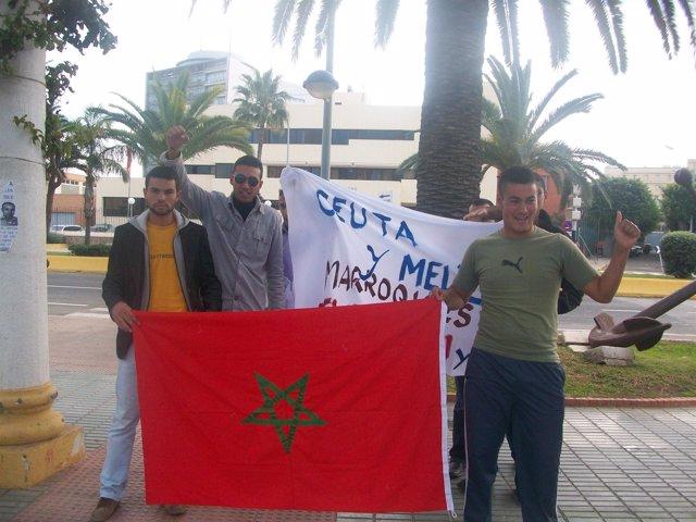 Protesta de jóvenes marroquíes en Melilla