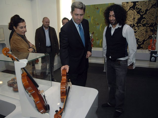 Rambla inaugura la exposición 'Sonidos Artesanos'
