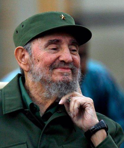 """Wikileaks.- Fidel Castro aplaude a Assange por haber sentado al """"imperio"""" en el """"banquillo de los acusados"""""""