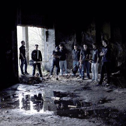 El grupo Fala Non Cacuda presenta este viernes en directo su primer disco, 'Tiempu de povisa'