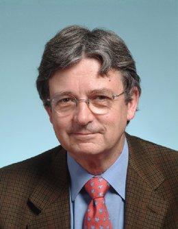 El presidente del Consejo Social, J. Coello