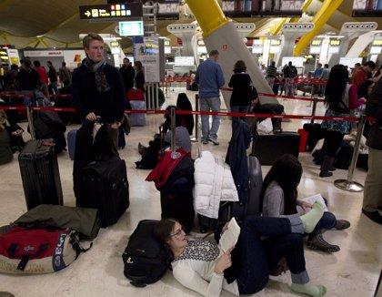 AENA y controladores vuelven a negociar tras el caos aéreo
