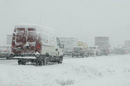 Cortadas siete carreteras en Almería, Granada, Sevilla, Jaén y Cádiz debido al temporal de lluvia y nieve